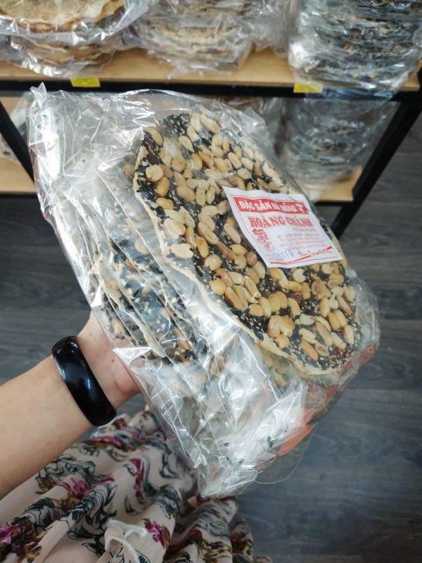 Kẹo đậu phụng mè đen Đà Nẵng giòn, béo đến miếng cuối cùng