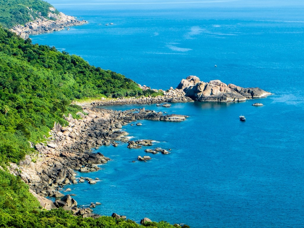 Bán đảo Sơn Trà đi một lần không muốn về nơi của những bãi đá